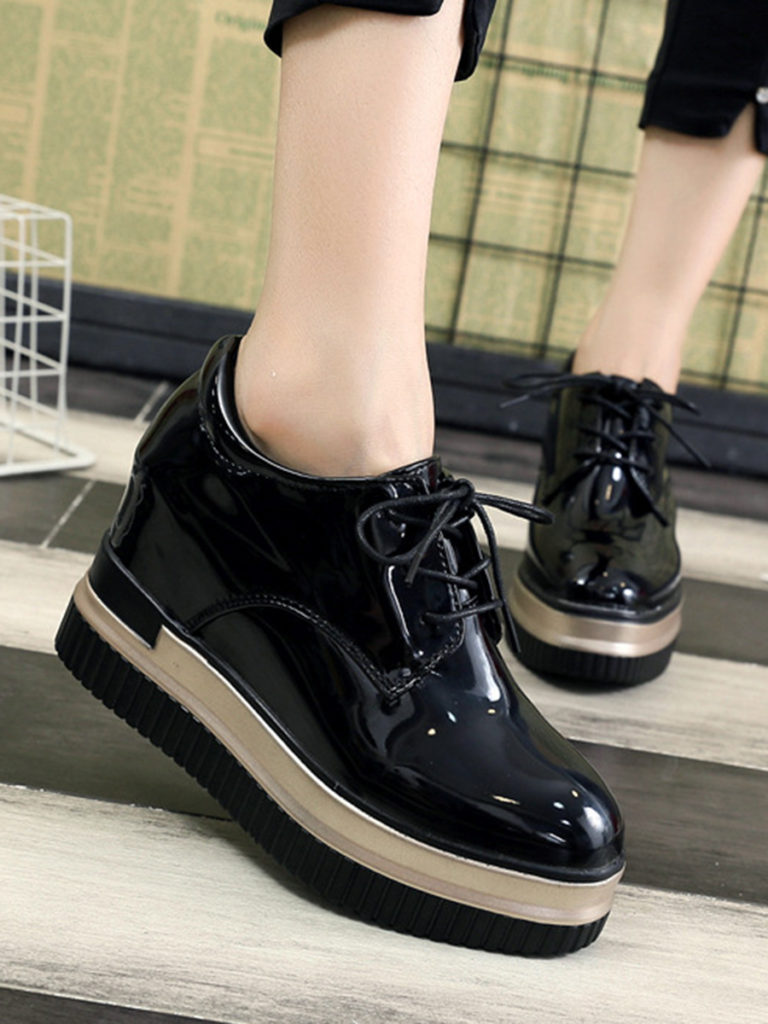 Plain Invisible PU Criss Cross Casual Sneakers