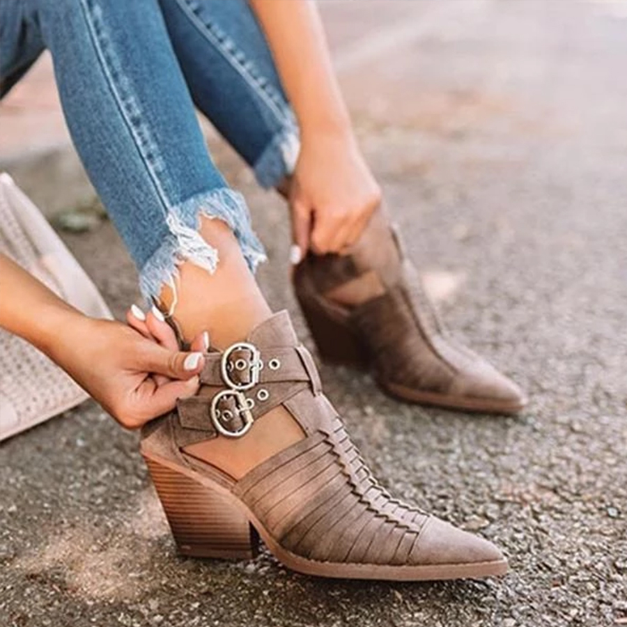 Distressed Plain Chunky Point Toe Boots